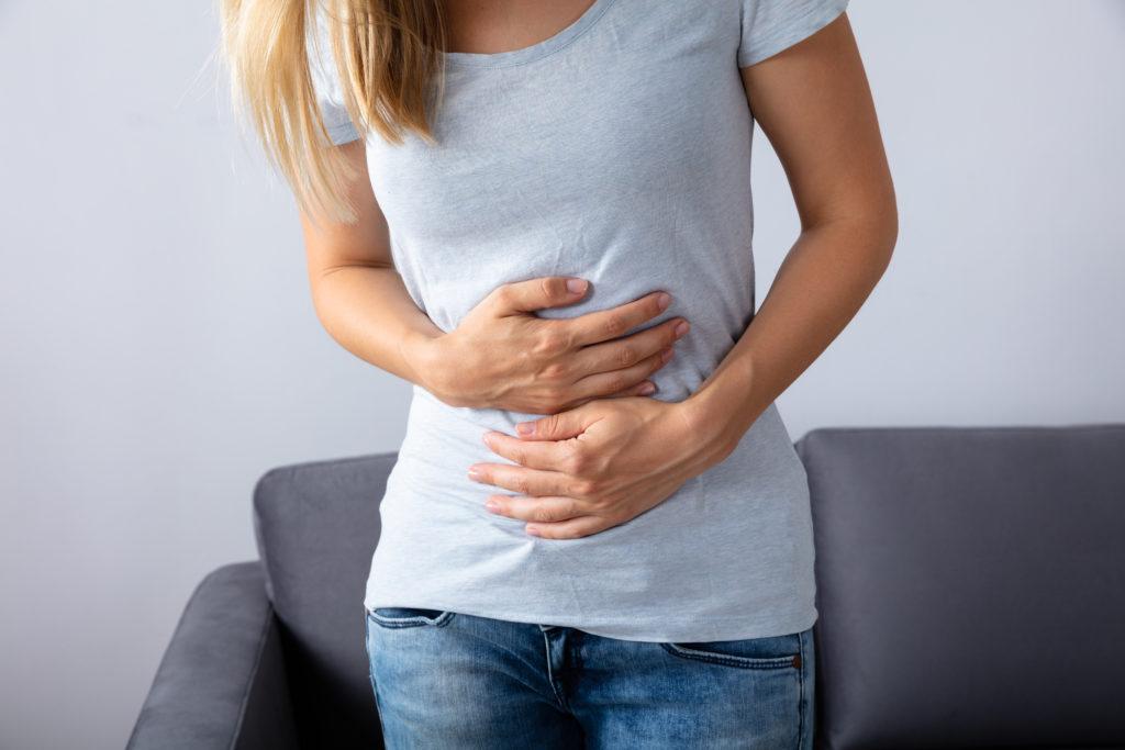 Druck im Bauch: Woher er kommt und wie du ihn linderst